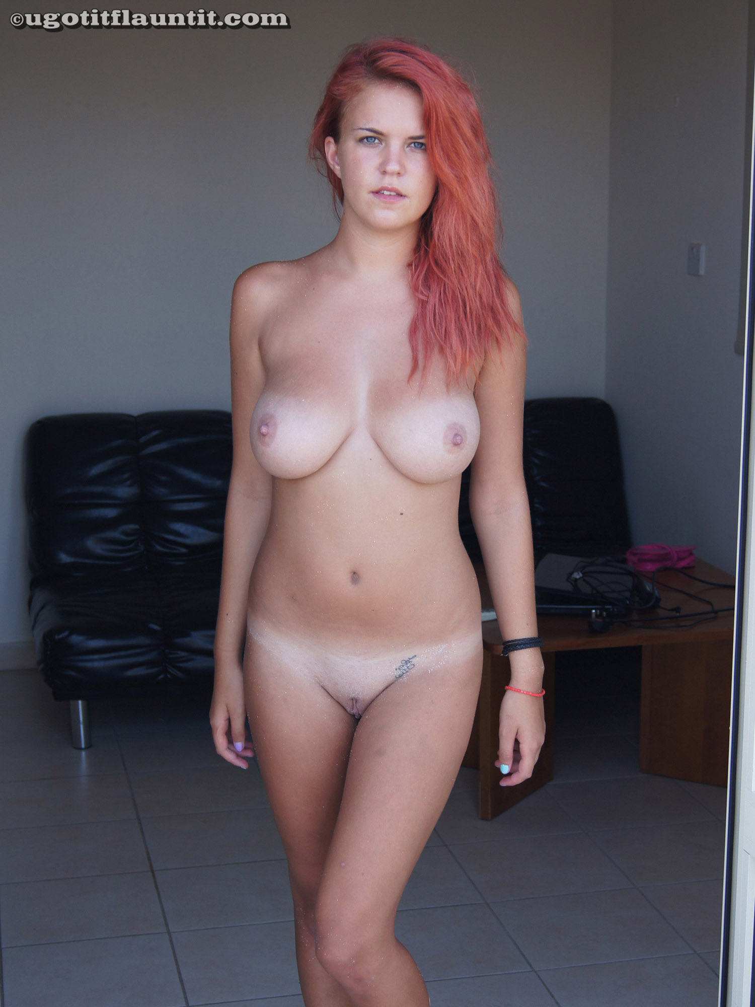 hot young nude blonde