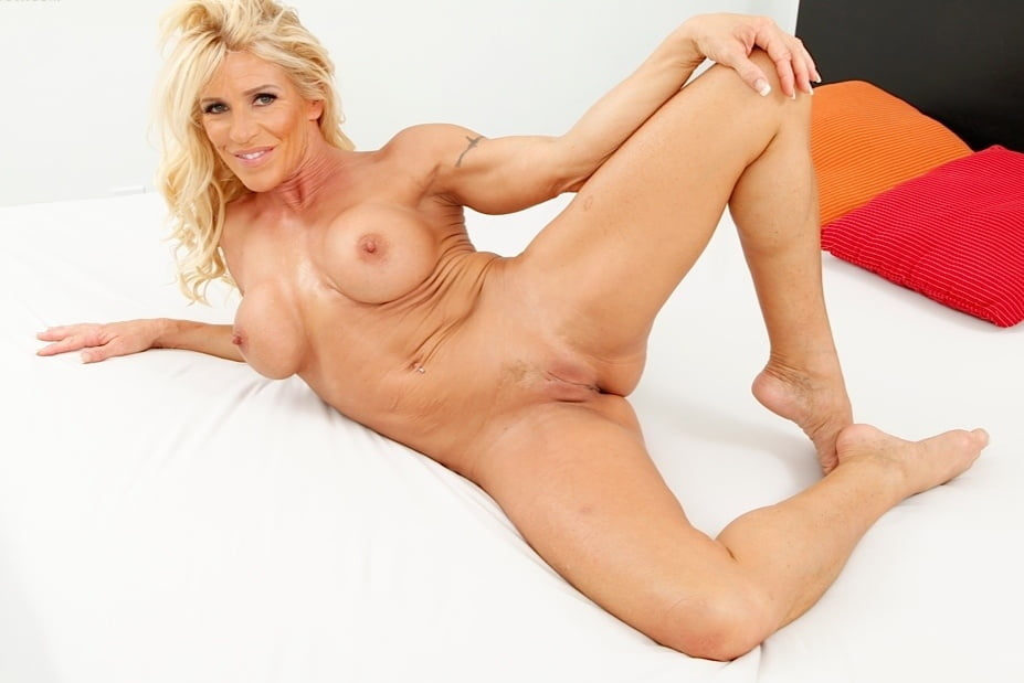 coming to america nude video