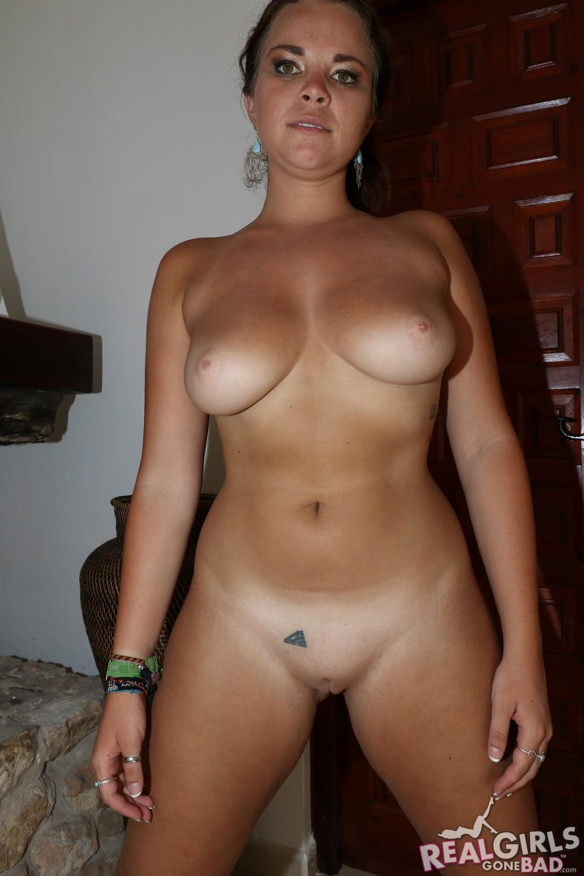naked puerto rican woman
