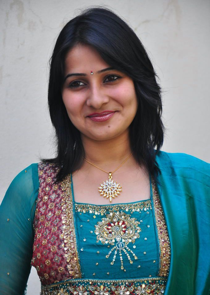 tamil serial actress show anchor - Page 31 - Inssia.com